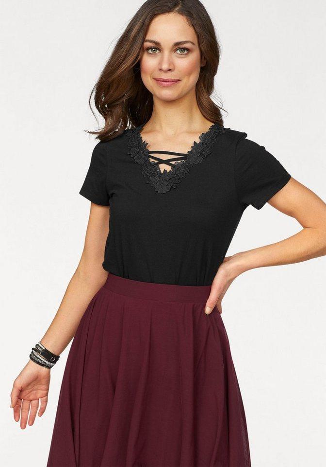 Damen Boysen s V-Shirt mit Spitze am Ausschnitt schwarz | 08906098066992