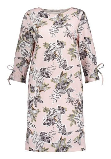 Betty&Co Kleid mit Schnürung an den Ärmeln