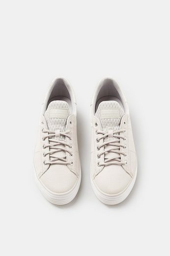 Esprit Schnürsneaker The Exciting Material Mix