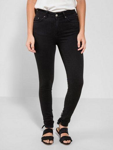 Pieces Detail Slim Fit Jeans