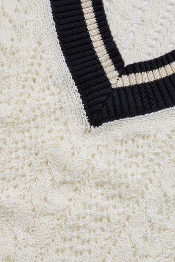Next Pullover mit V-Ausschnitt und Lochstruktur