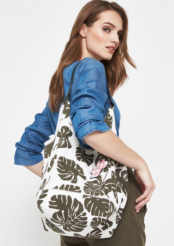 COMMA Shopping Bag aus Segeltuch mit Floral-Alloverprint