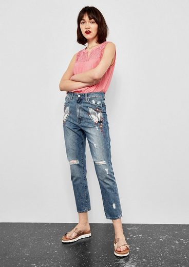 Q/S designed by Mom Fit: Bestickte Vintage-Jeans