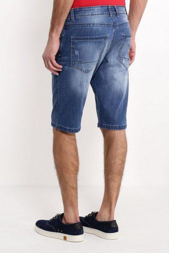Finn Flare Shorts mit knielangem Schnitt