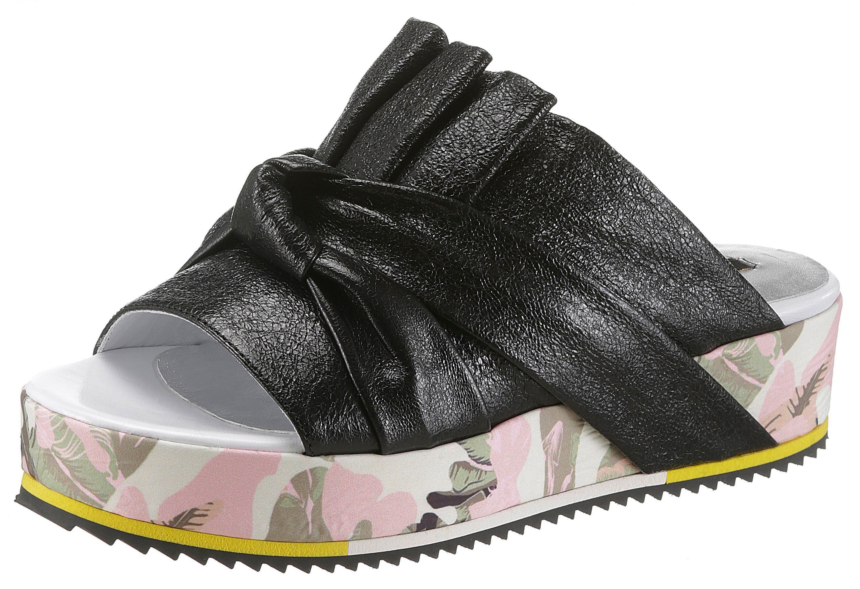 NOCLAIM Pantolette, mit farbiger Plateausohle  schwarz-bunt
