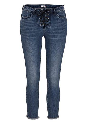 AJC 7/8-Jeans, mit Schnürung und Fransensaum