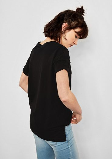 Q/S designed by Jerseyshirt mit Applikation