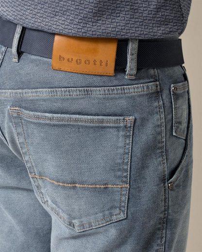 Bugatti 5-Pocket-Hose, mit einer leichten Struktur