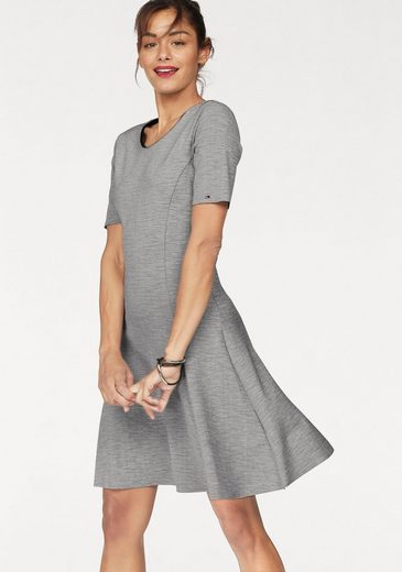 Tommy Jeans Kleid TJW ESSENTIAL FITFLARE DRESS