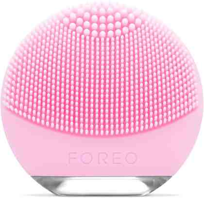 FOREO Kompakte Gesichtsreinigungsbürste LUNA go für Normale Haut, Elektr. Gesichtsreinigungsbürste & Anti-Aging Gerät