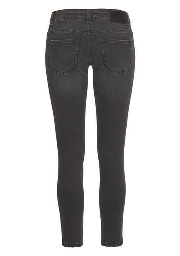 Mehrfarbigen Ethno Zhrill stickereien »daffy« Skinny fit jeans Mit ZZOXqYf