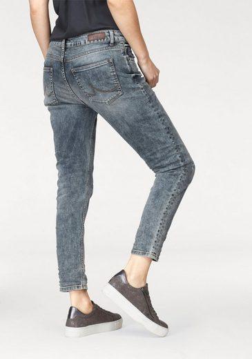 LTB Boyfriend-Jeans »MIKA« mit Destroyed-Effekten