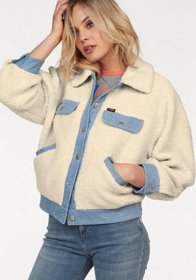 Wrangler Kurzjacke aus Plüsch mit coolen aufwendigen Jeans-Details