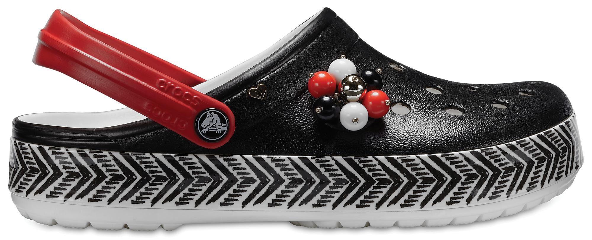 Crocs »Drew Barrymore X Cb Tribal Clog« Clog, mit Ethno-Muster an der Laufsohle, schwarz, schwarz-weiß-rot