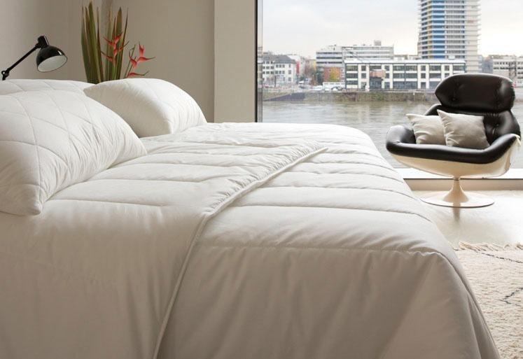 kunstfaserbettdecke famous centa star warm bezug 100 baumwolle 1 tlg winterbett. Black Bedroom Furniture Sets. Home Design Ideas