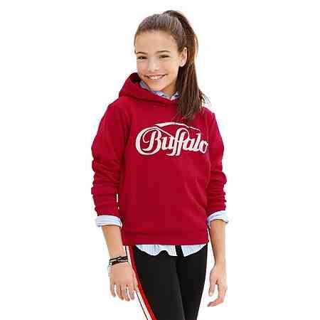 Zur Streetwear Mode für Mädchen.