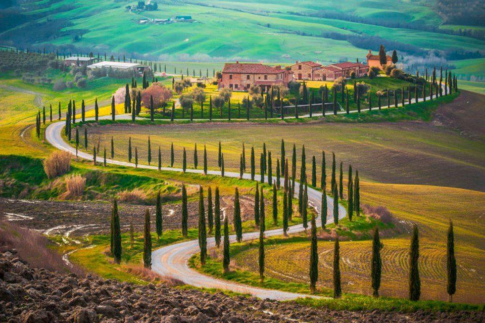 PAPERMOON Fototapete »Fields in Tuscany«, Vlies, 7 Bahnen, 350 x 260 cm