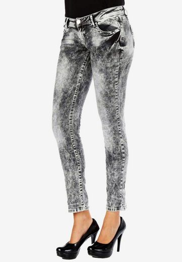 Cipo & Baxx Bequeme Jeans mit modischer Waschung