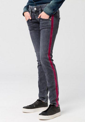 Herrlicher Röhrenjeans »PITCH SLIM« Low Waist Powerstretch-Jeans mit sportiven roten Galon-Streifen