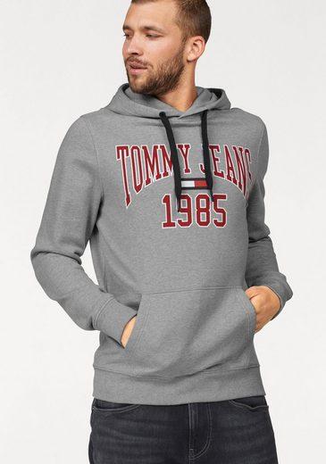 TOMMY JEANS Kapuzensweatshirt »TJM ESSENTIAL GRAPHIC HOODIE B«