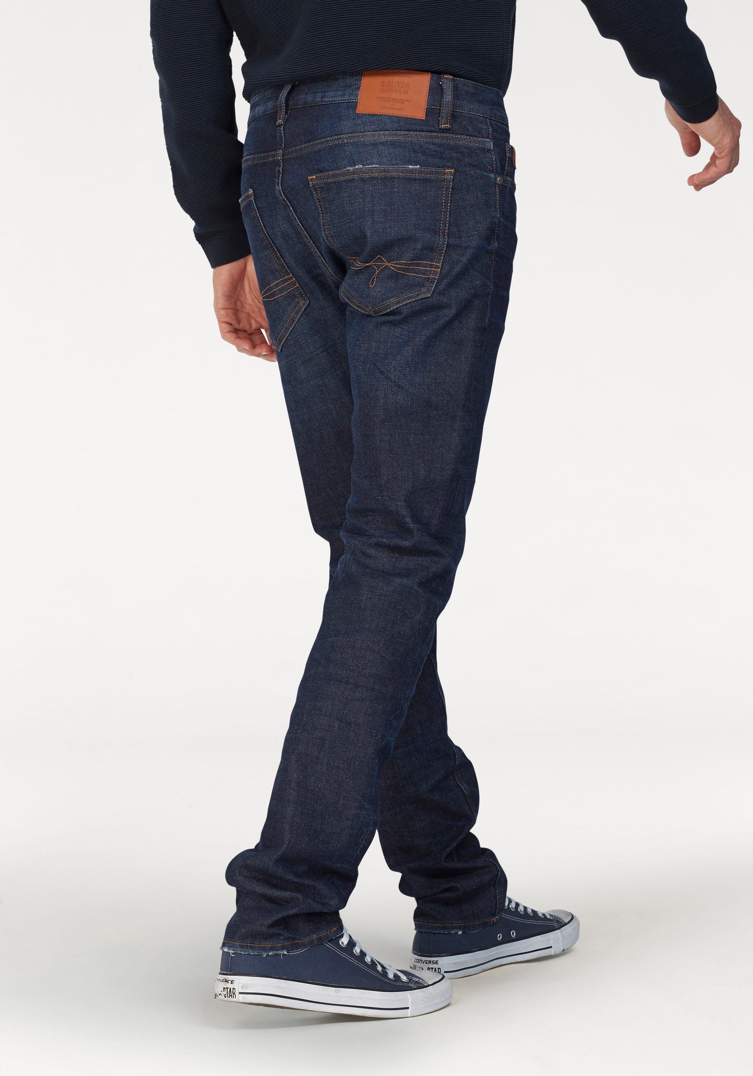 s.Oliver RED LABEL Slim fit Jeans »CLOSE« mit Destroyed Effekten