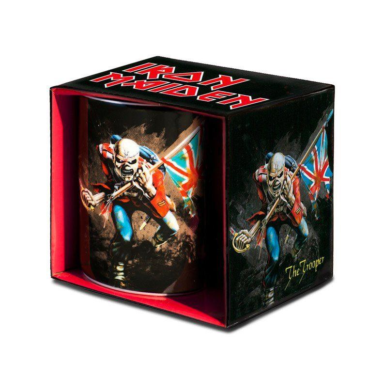 LOGOSHIRT Kaffeebecher mit Iron Maiden The Trooper-Cover