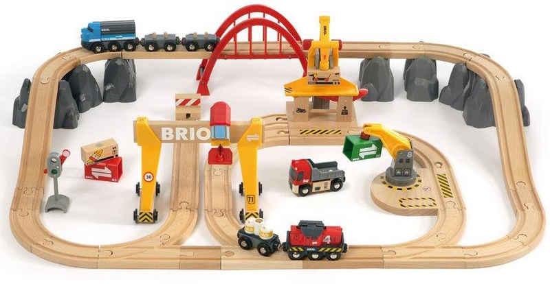 BRIO® Spielzeug-Eisenbahn »BRIO® WORLD Frachten Set Deluxe«, (Set), FSC®-Holz aus gewissenhaft bewirtschafteten Wäldern