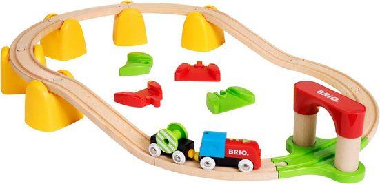 BRIO® Spielzeug-Eisenbahn »Mein erstes BRIO Bahn Set mit Batterielok«, (Set)