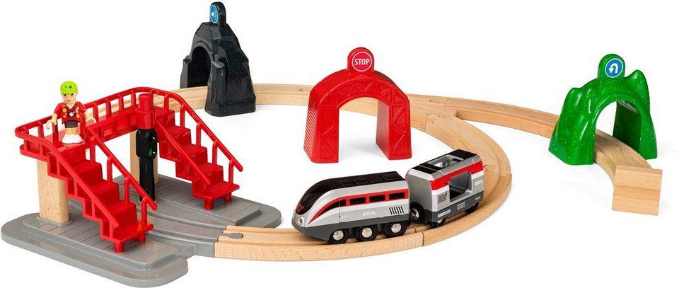 brio holzeisenbahn set brio world gro es smart tech reisezug set mit action tunnels online. Black Bedroom Furniture Sets. Home Design Ideas