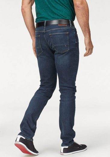 TOMMY HILFIGER Straight-Jeans »CORE DENTON STRAIGHT JEANS« Leichte Waschung