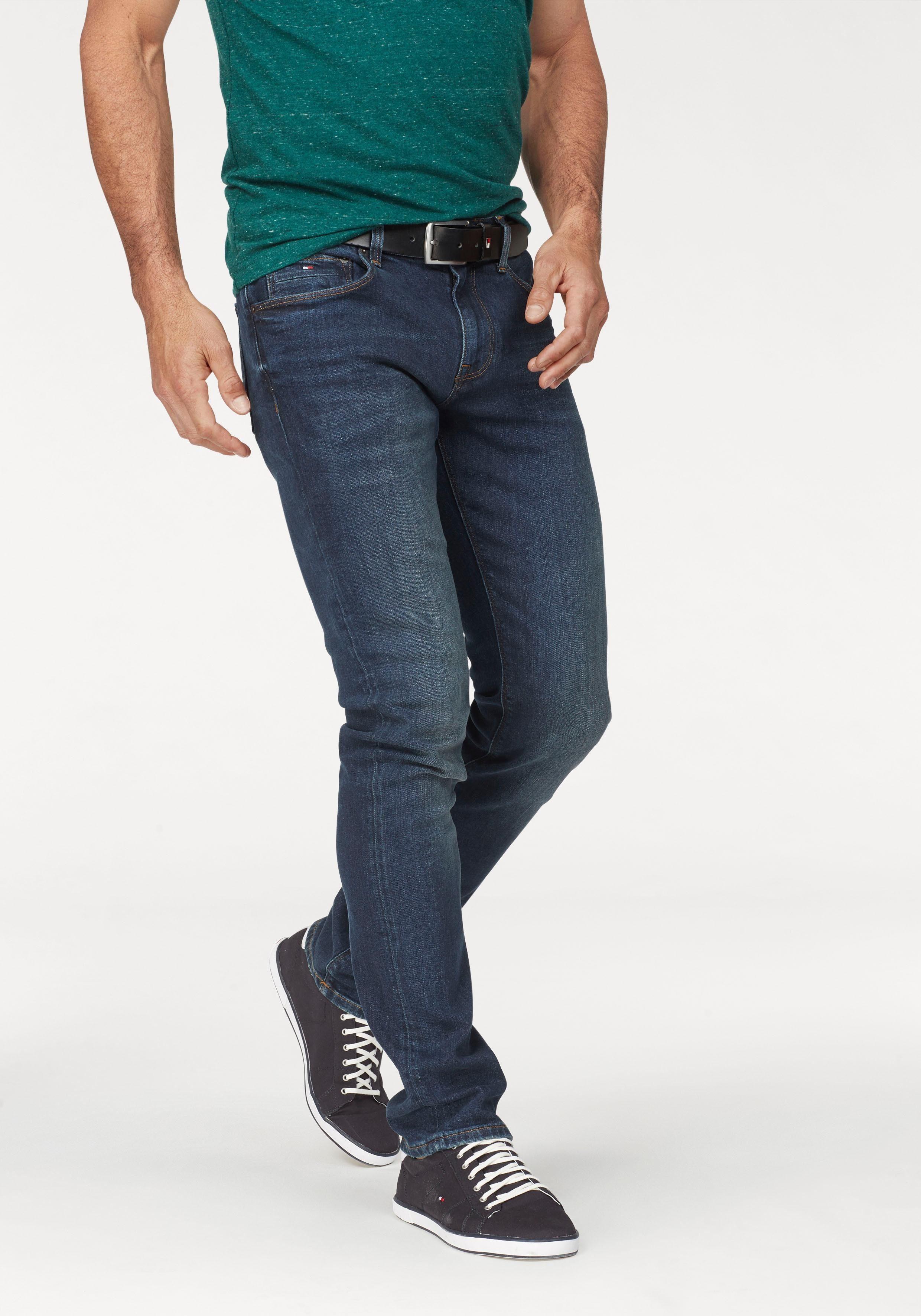 TOMMY HILFIGER Straight Jeans »CORE DENTON STRAIGHT JEANS« Leichte Waschung online kaufen   OTTO