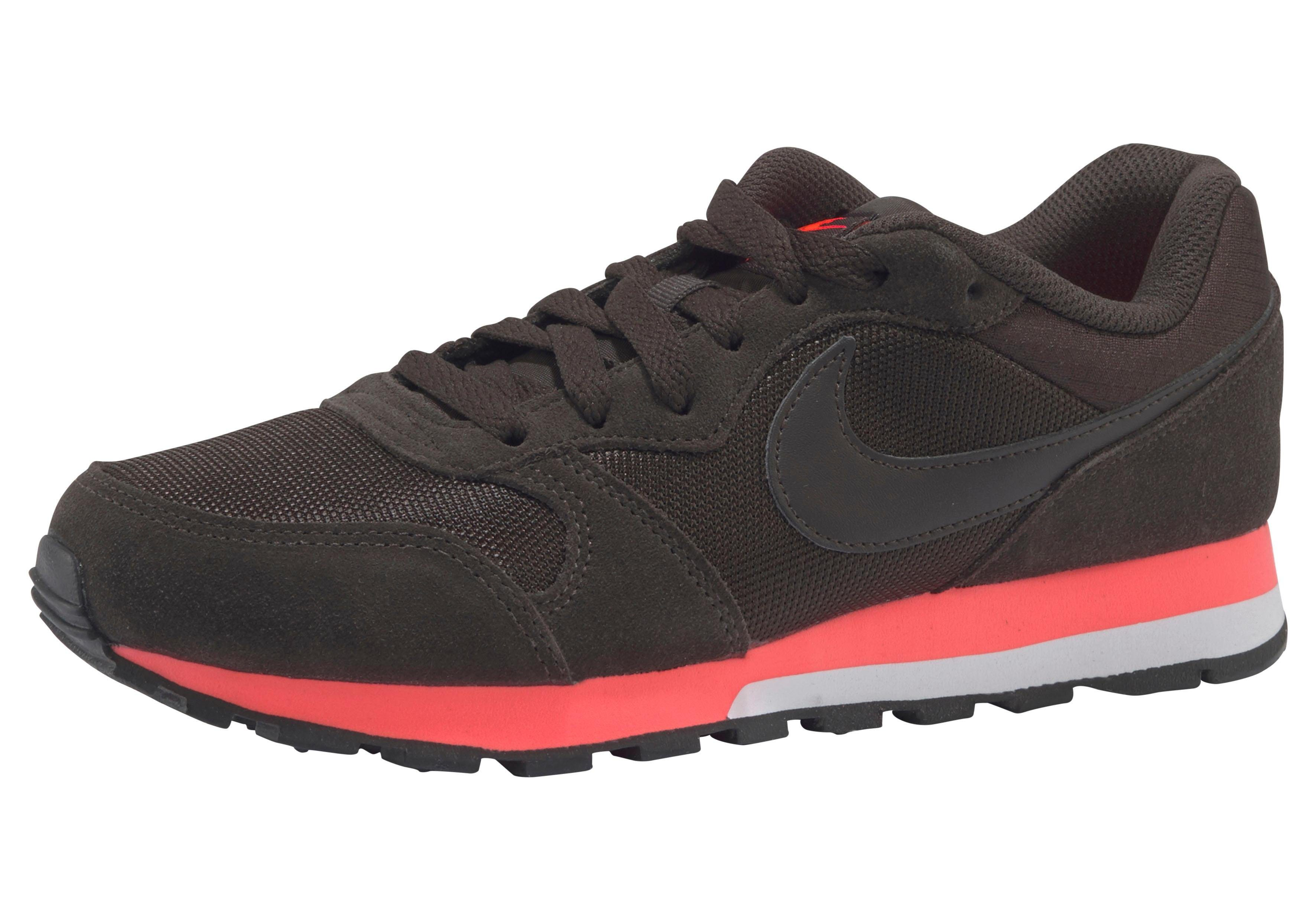Nike Sportswear »Wmns MD Runner 2« Sneaker, Atmungsaktives Obermaterial aus Leder und Textil online kaufen | OTTO