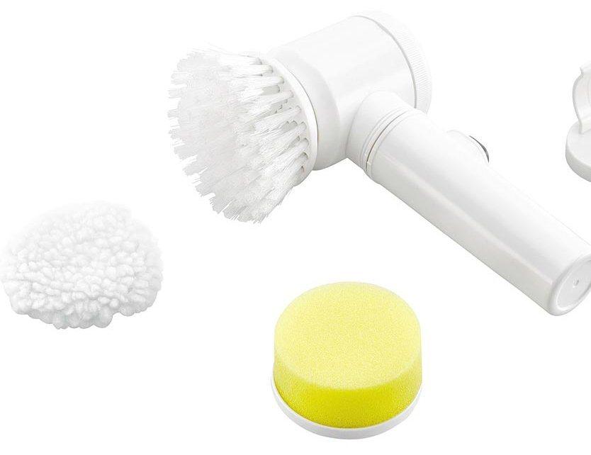 Elektrische Reinigungsbürste mit Schaumstoffaufsatz