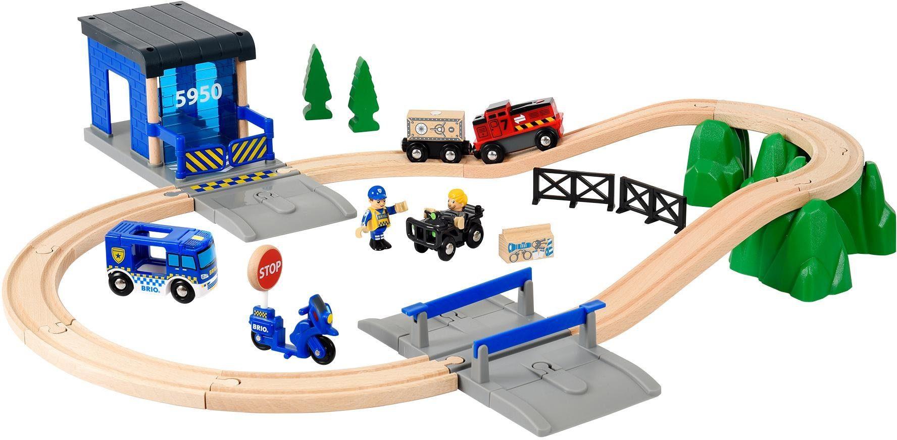 BRIO® Spielzeugeisenbahn mit Sound und Lichtfunktion, »World, Großes Polizei Deluxe Set«