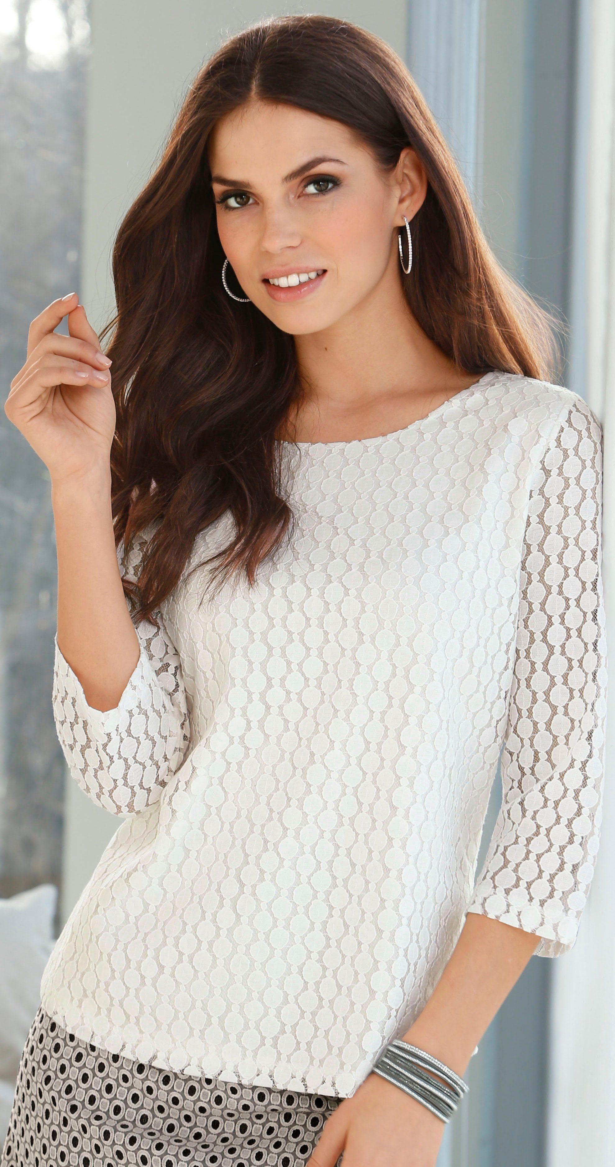 Lady Spitzen-Shirt im fröhlichen Tupfen-Stil