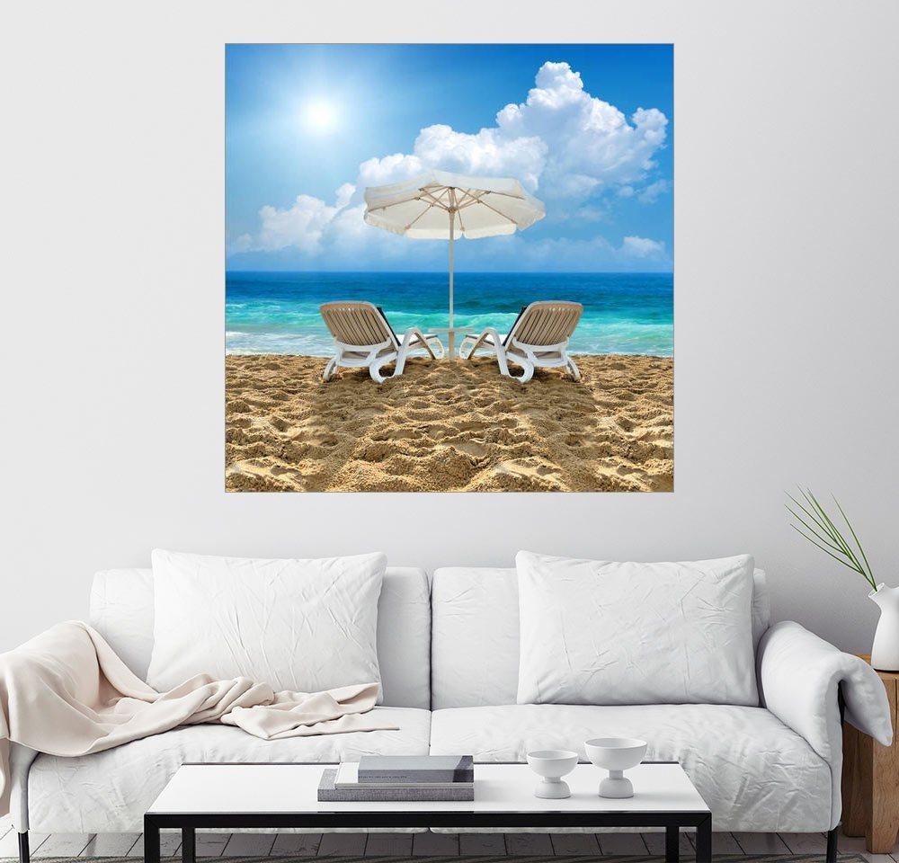 Wandbild »Strandstuhl und Schirm am Sandstrand«