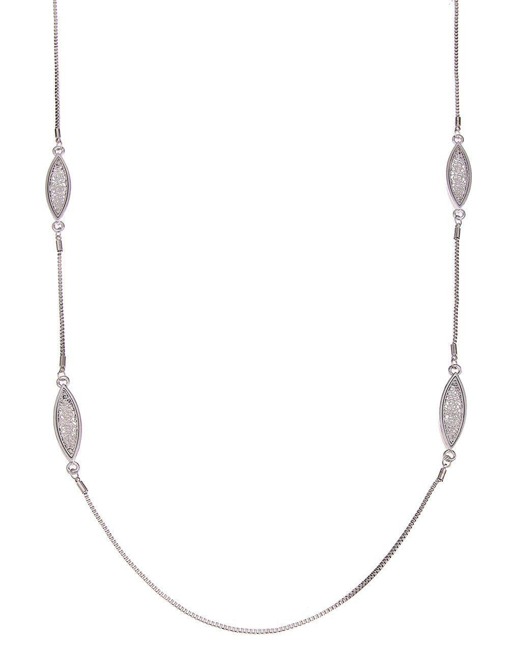 Leslii Halskette mit Rosen-Muster