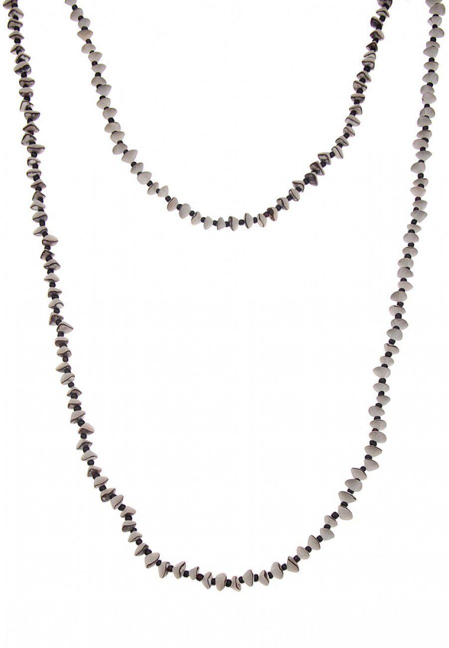 Leslii Halskette im natürlichen Look