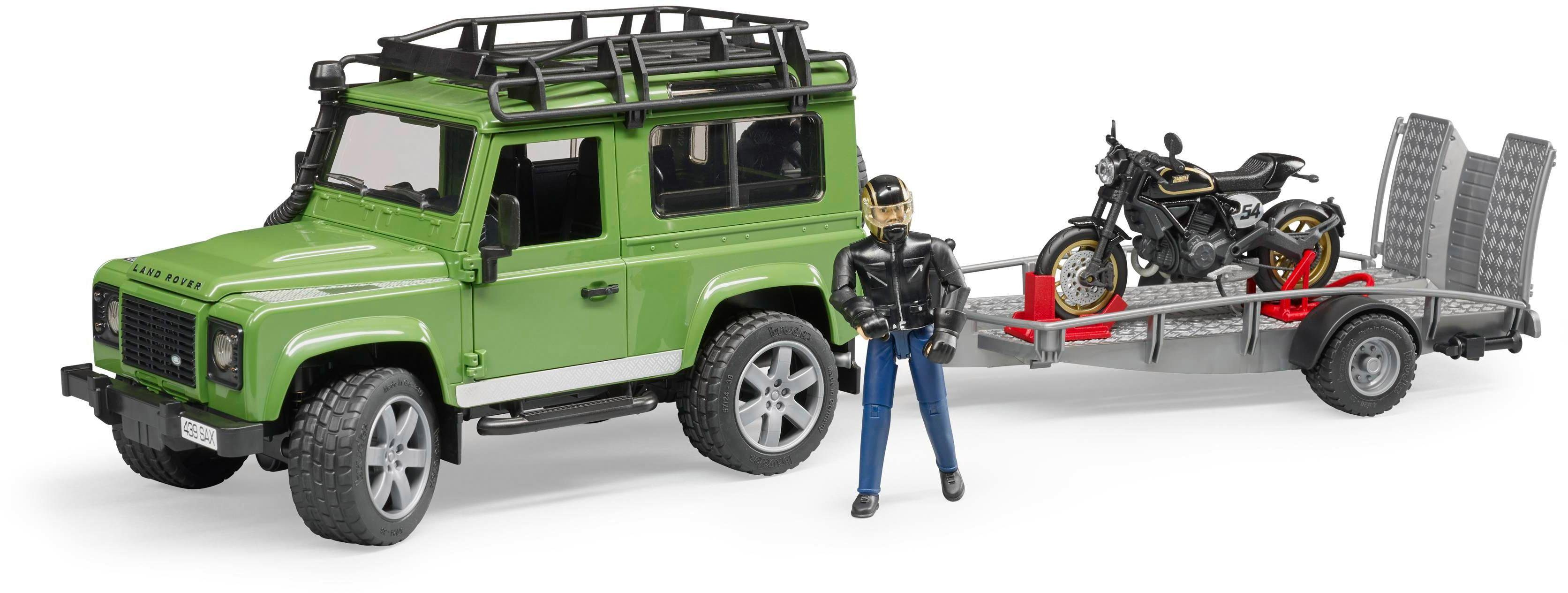Rover Bruder® Defender Land Station Wagon con Toy Car 0wN8mn