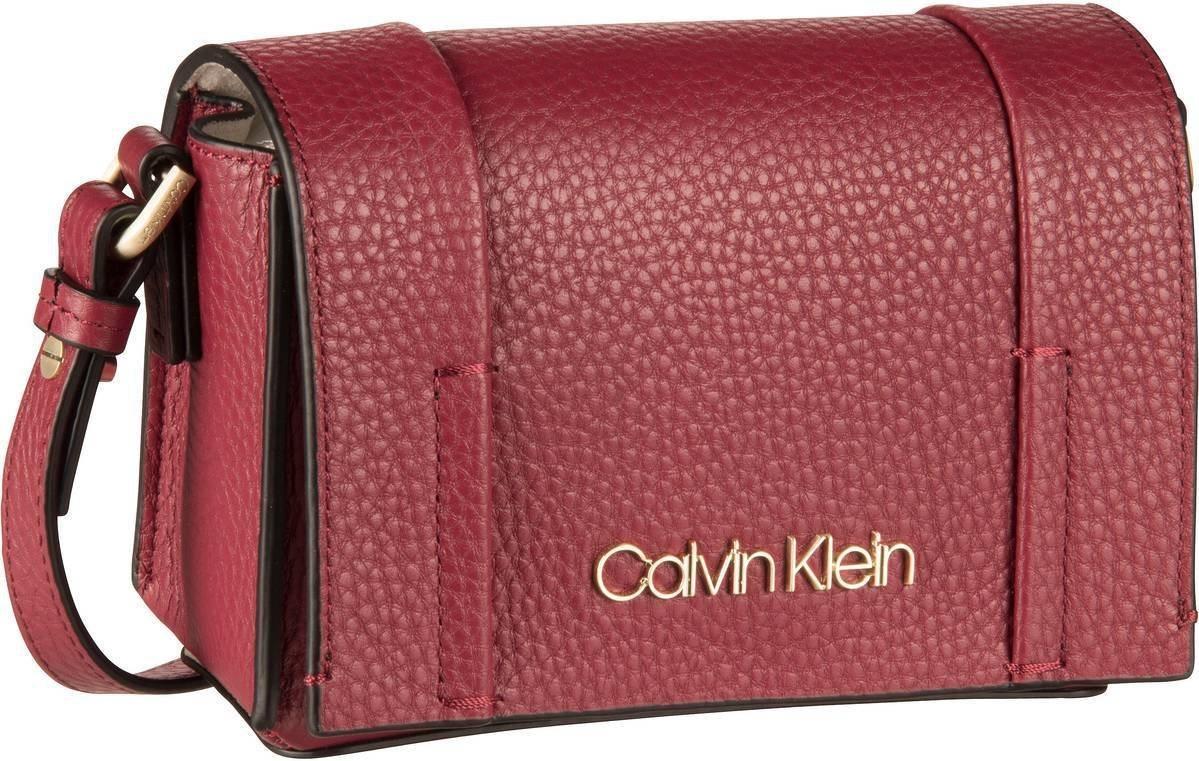 Damen Calvin Klein Umhängetasche City Leather SML Flap Crossbody    08719115071554