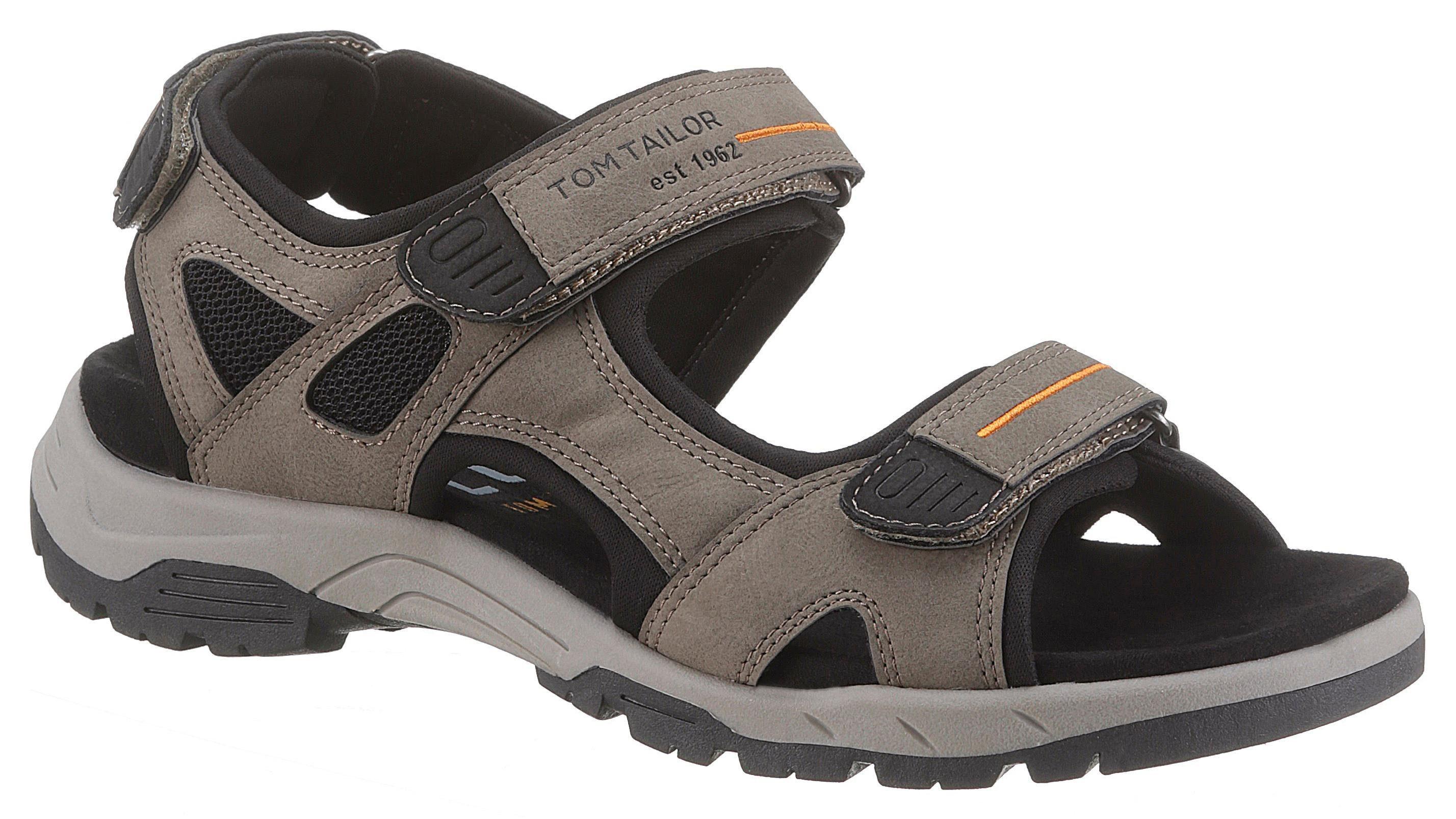 Sandale mit praktischen Klettverschlüssen