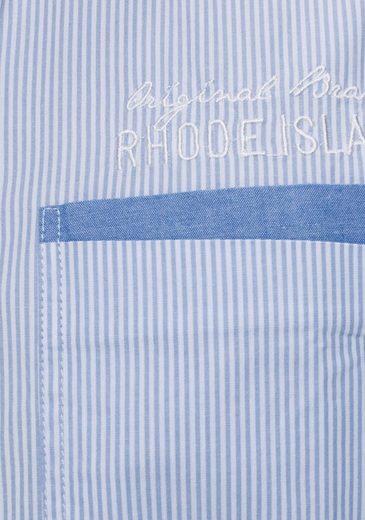 Hinten Am Brust Stickereien Der Mit Streifenhemd Rhode Island Kragen Und Auf qwgUUH