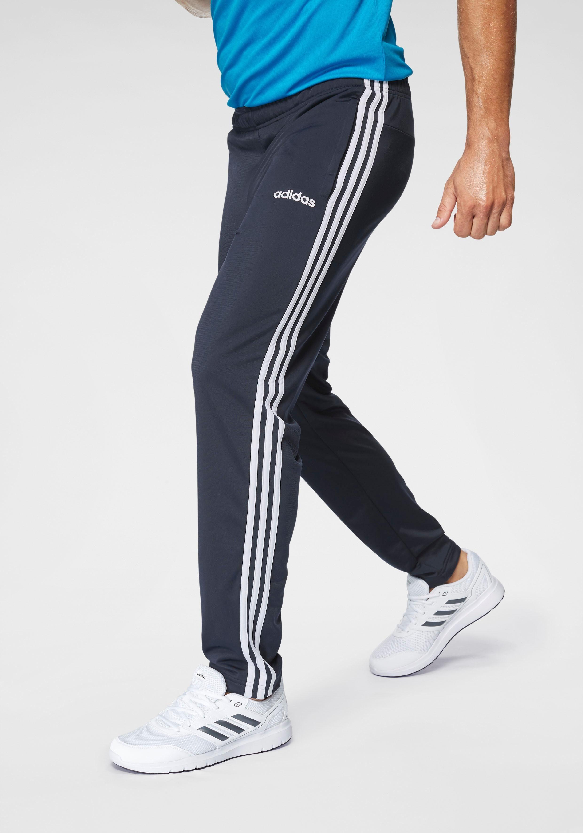 Tolles Schnäppchen. Die adidas Performance Basic 3 Stripes