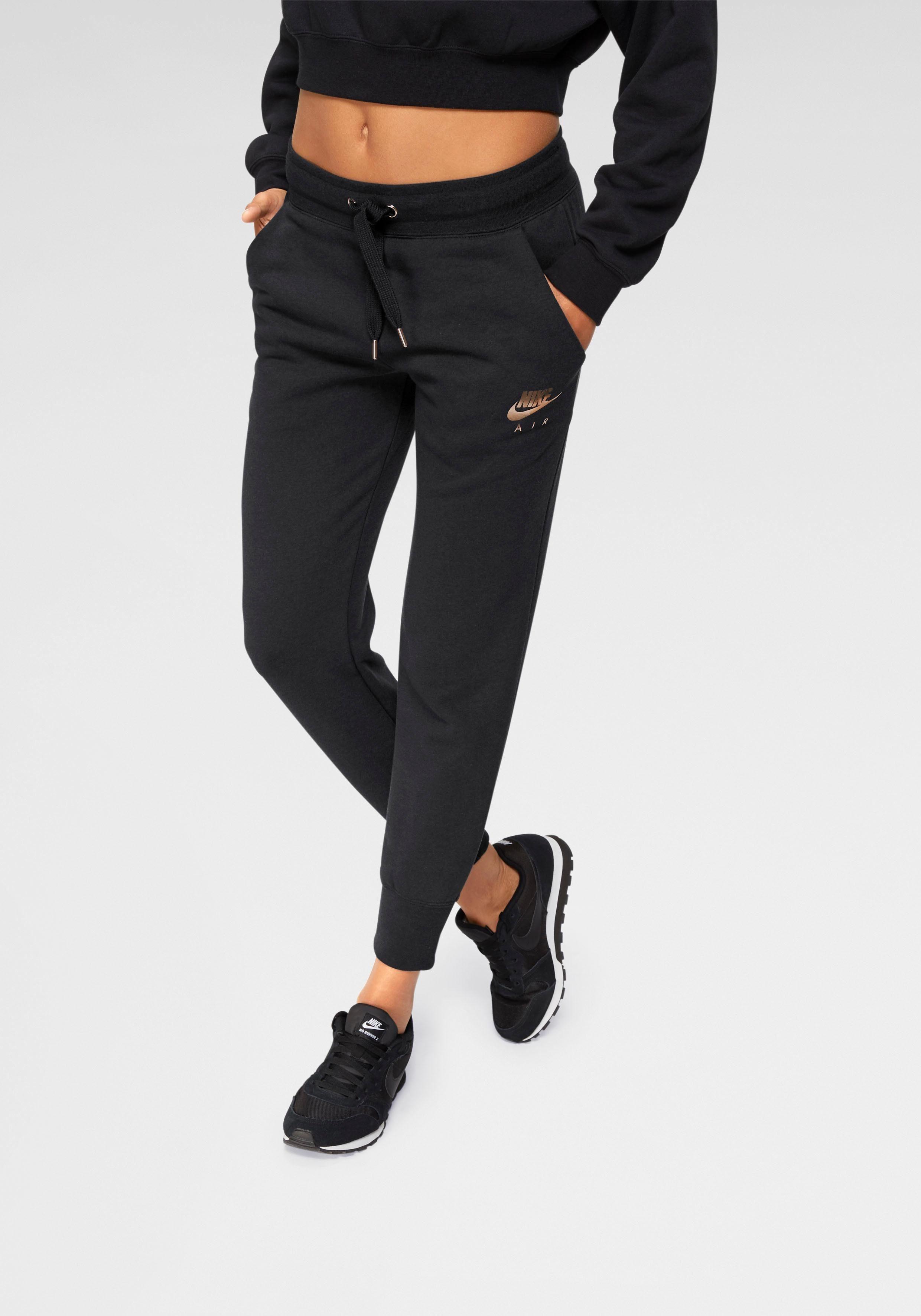 Nike Sportswear Jogginghose, Glänzender Logoprint online kaufen | OTTO