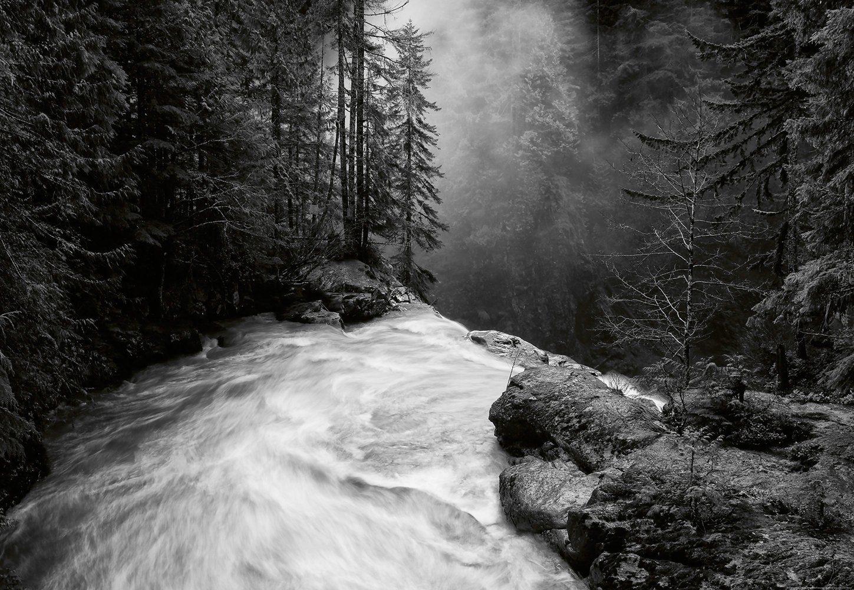 IDEALDECOR Fototapete »Über dem Wasserfall«, BlueBack, 4 Bahnen, 368 x 254 cm