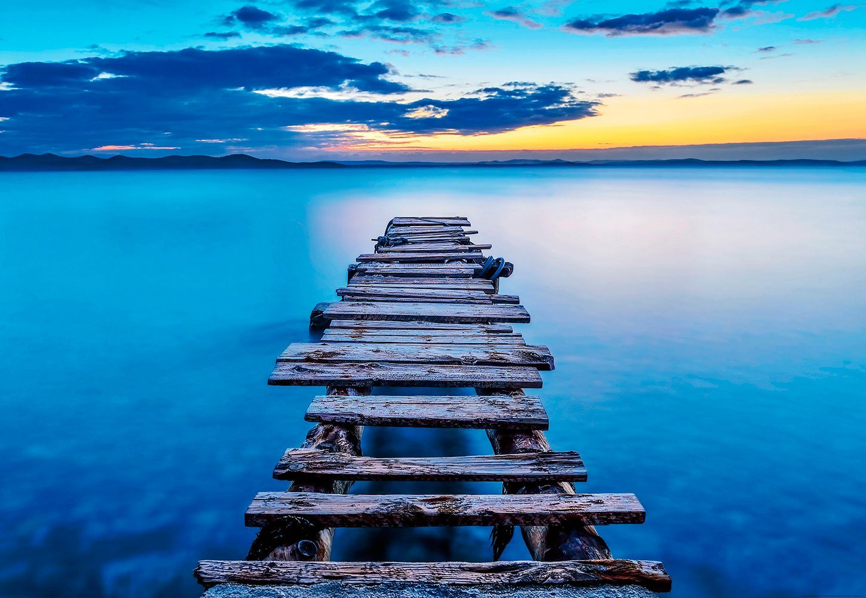 IDEALDECOR Fototapete »Alter Pier«, BlueBack, 4 Bahnen, 368 x 254 cm