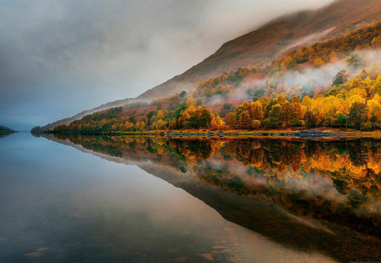 IDEALDECOR Fototapete »Mystischer See Schottland«, BlueBack, 4 Bahnen, 368 x 254 cm