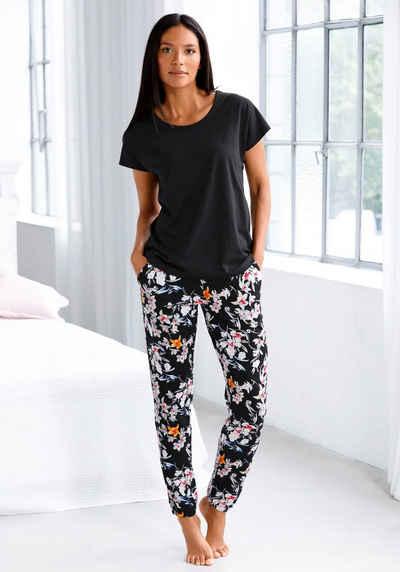 s.Oliver Pyjama mit Blumenmuster