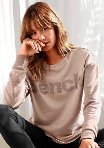 Bench. Sweatshirt mit Labeldruck