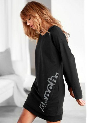 Bench. Longshirt mit diagonaler Naht